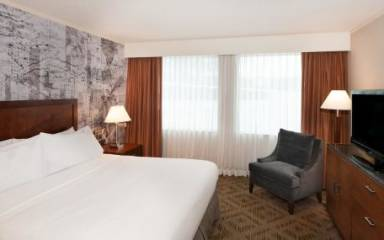 DoubleTree Suites by Hilton - Philadelphia West
