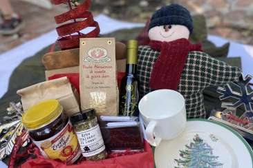 Local Food Adventures Holiday Box