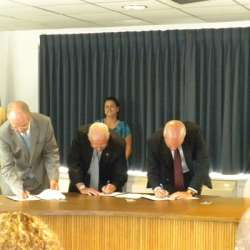 Signing the CPP agreement
