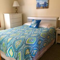 Rooms at the Lakeshore Resort TC