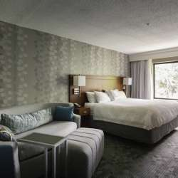 Rooms at the Courtyard by Marriott