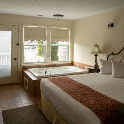 Rooms at the Harbor Lights Resort