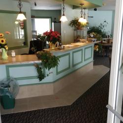 Inside the Bellaire Inn