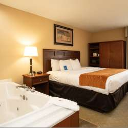 Rooms at the Comfort Inn Traverse City