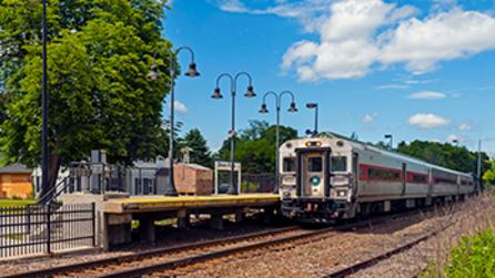Southbound Metro North Harlem Line train departing Dover Plains - Photo by Daniel Chase