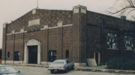Brownsburg's College Avenue Gym was used in Hoosiers prior to it being demolished in 1990.