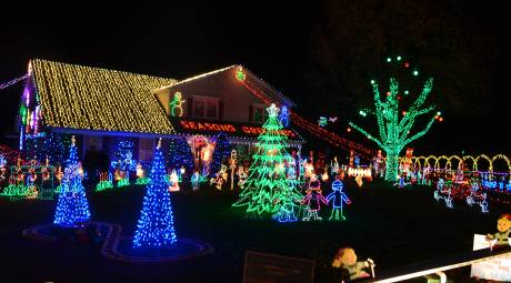 Willow Grove Holiday Lights