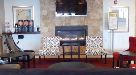 Holiday Inn lansdale Lobby and Fireplace