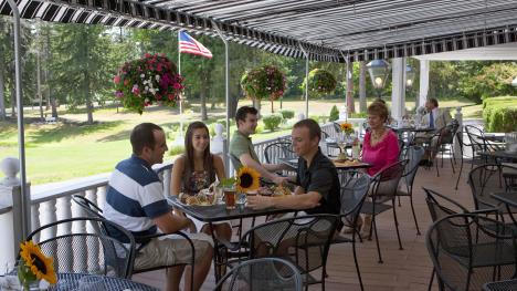 Outdoor Dining Options in Cayuga County