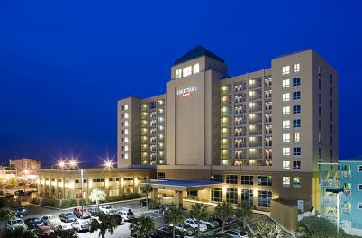 Courtyard Marriott at night