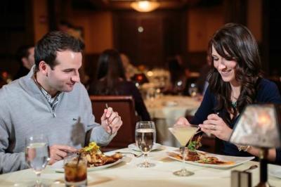 Couple enjoying a nice dinner at Prime at Saratoga National Dining
