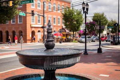 Bel Air Main Street Fountain