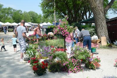 Marysville Mothers Day Market