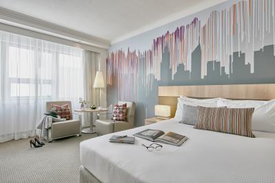 Mercure Perth superior queen room