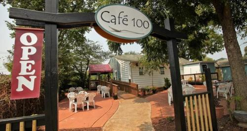 Open-air seating greets hungry visitors to Cafe 100 in Huntersville.