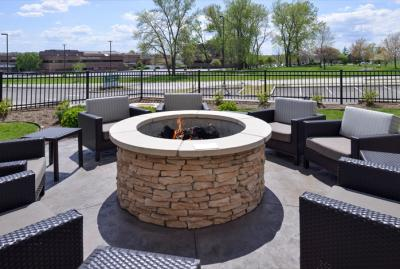 Marriott Courtyard Firepit in St Charles