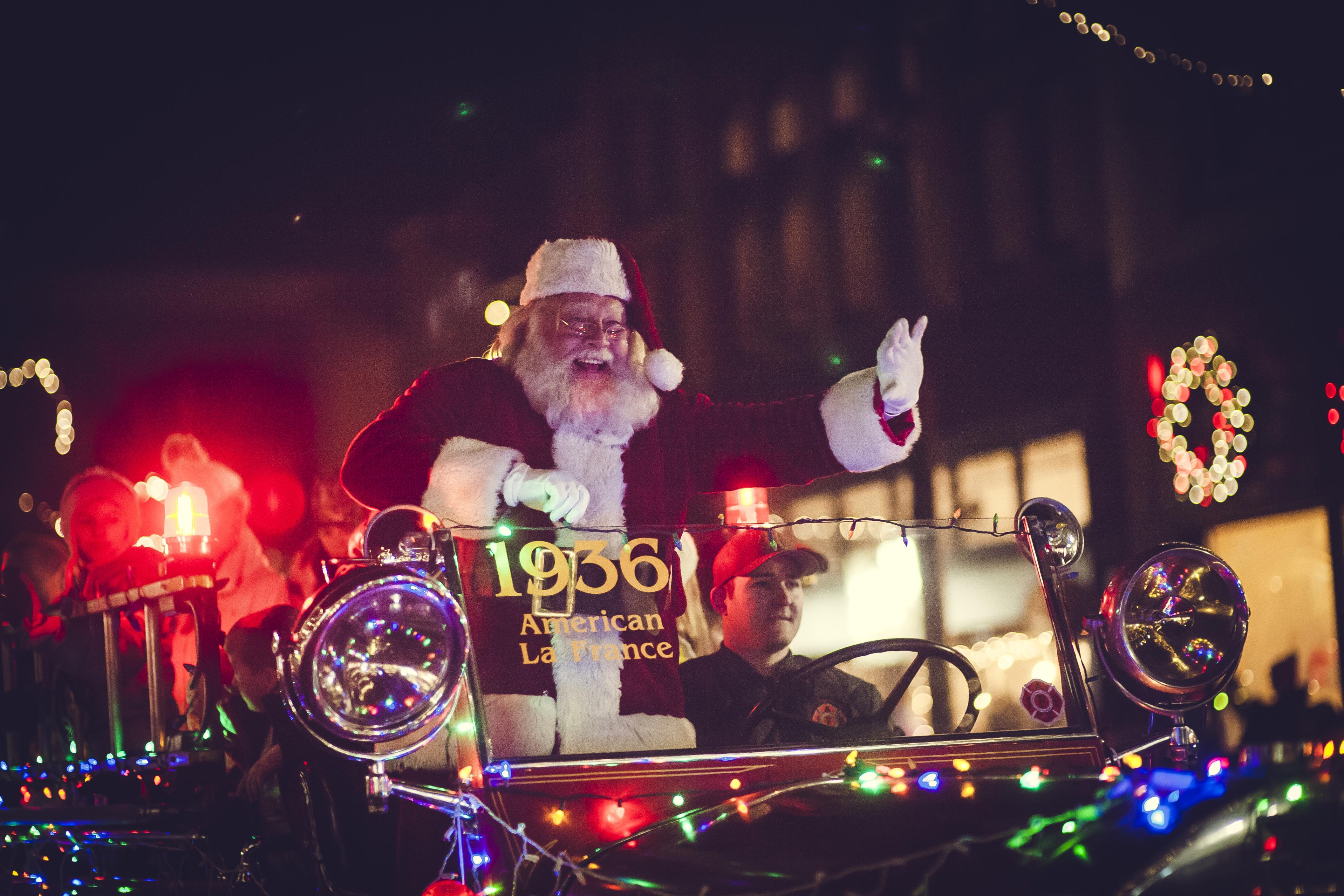Downtown Traverse City Light Parade, Santa's Arrival & Tree Lighting