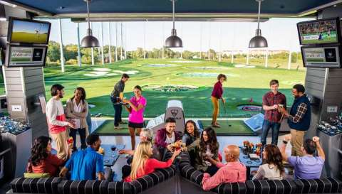 Topgolf-Bay-Drinking