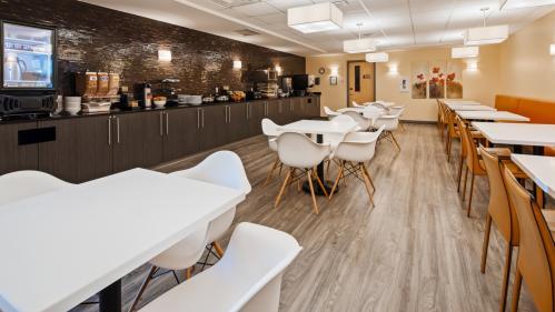 BW Airport Breakfast room