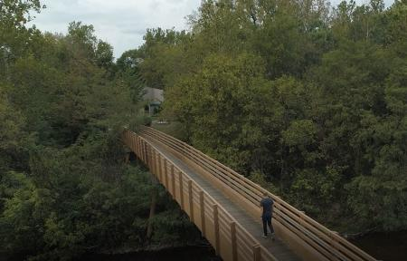 Hummel Park pedestrian bridge