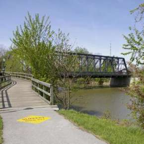 Wells Street Bridge Trail