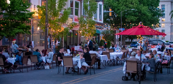 Rubicon & Mangia Qui Outdoor Dining