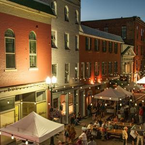 Night life on Linden Street