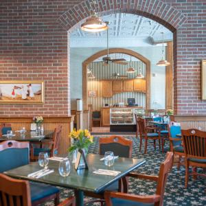 warfields-clifton-springs-interior-dining-room