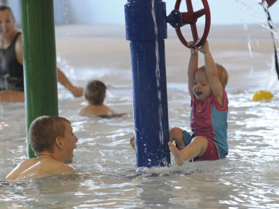 Kids playing in the splash Pool at the Smithfield Aquatic Center.