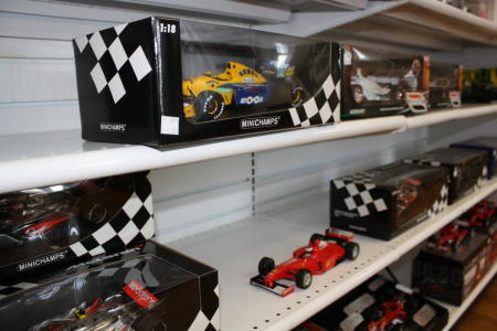 Gearheads diecast and other racing gifts
