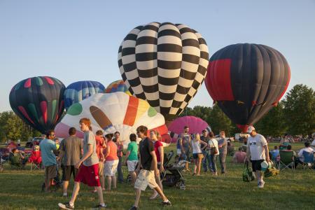 Hot Air Balloons at the Rib-fest & Balloon Glow