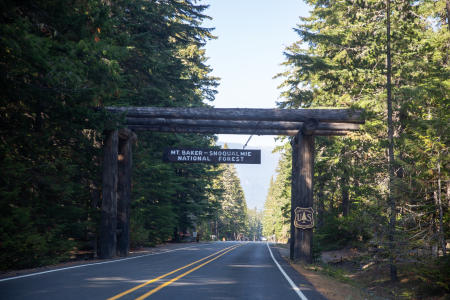 Mount Rainier National Park Entrance sign