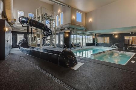 Home Inn pool area