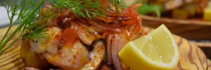 Fish entrée at Chucherias Hondurenas Restaurant in Daytona Beach
