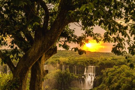 Por do sol nas Cataratas do Iguaçu