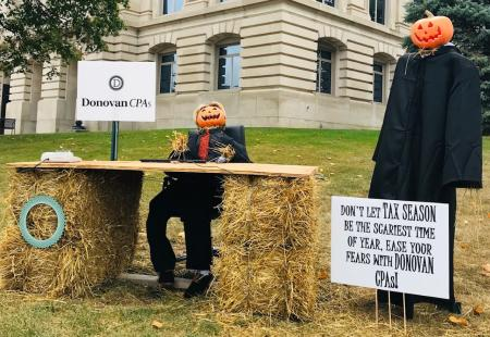Scarecrows at Hendricks County Courthouse Square CPAs