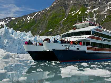 Alaska glacier sightseeing with Phillips Cruises & Tours' 26 Glacier Cruise