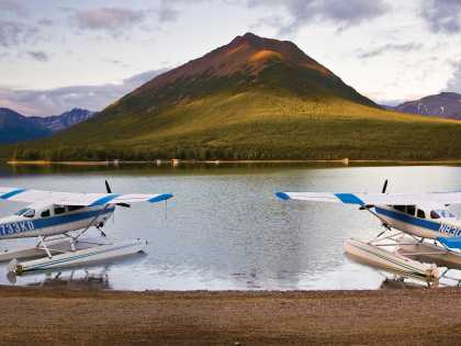 Flightseeing float planes in Lake Clark National Park