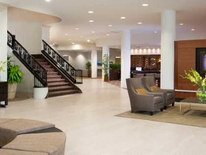DoubleTree by Hilton Lobby
