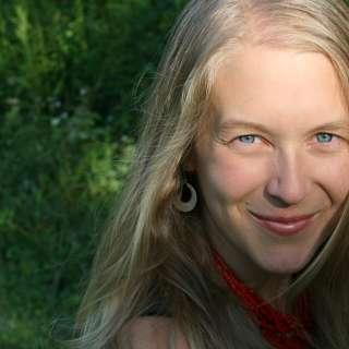Leigh Ann Henion Headshot