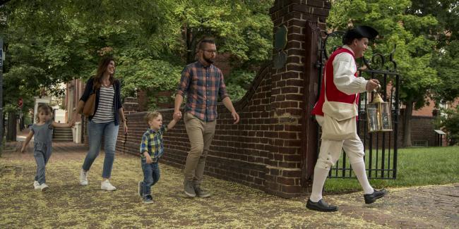 Family Taking an Historic Tour in Alexandria, VA