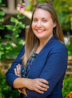 Lindsay Vidrine Headshot_2021