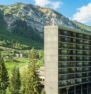 Snowbird Ski & Summer Resort, Cliff Lodge
