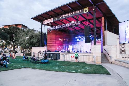 Photo of socially distant outdoor concert at Levitt Pavilion