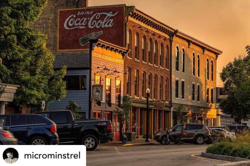 picture of brick buildings during the golden hour in downtown New Albany