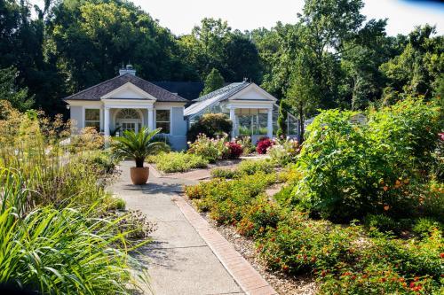 Waterfront Botanical Garden