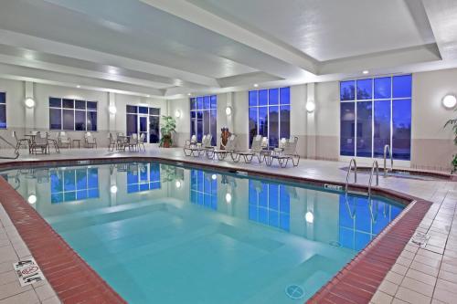 Holiday Inn Purdue Fort Wayne Indoor Pool