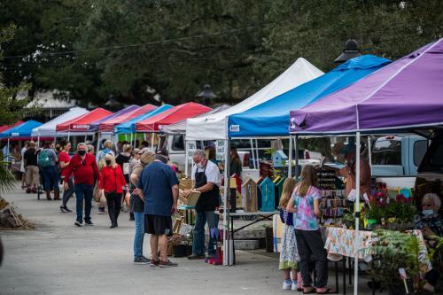 Ocean Springs Fresh Market courtesy Ocean Springs Chamber of Commerce