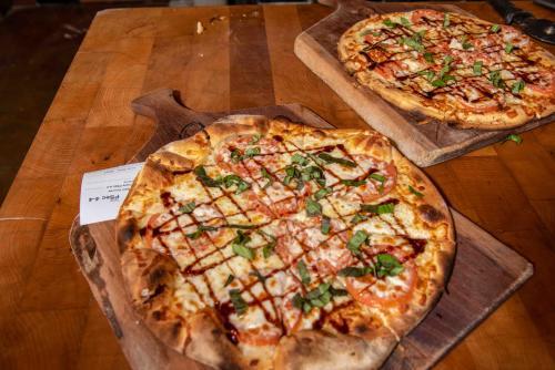 Brick oven pizzas at Owera Vineyards