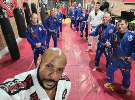 Dragonfly Elite Martial Arts & Fitness is owned by former Navy SEAL Kenneth Bigbee, Jr.